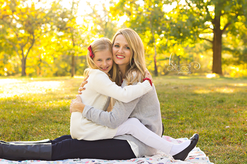 St. Louis Family Photographer - KGriggs Photography - mom and daughter, Queeny Park, St. Louis, MO