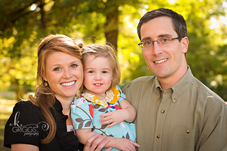 St. Louis Family Photographer - KGriggs Photography - family photo with little girl - Oak Knoll Park, St. Louis, MO