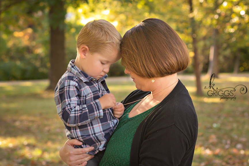 St. Louis Family Photographer - KGriggs Photography - little boy and his mom - Oak Knoll Park, St. Louis, MO
