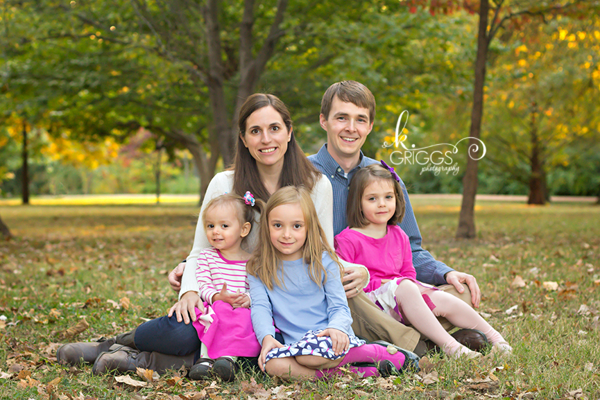 St. Louis Family Photographer - KGriggs Photography - family of three girls and parents - Oak Knoll Park, St. Louis, MO