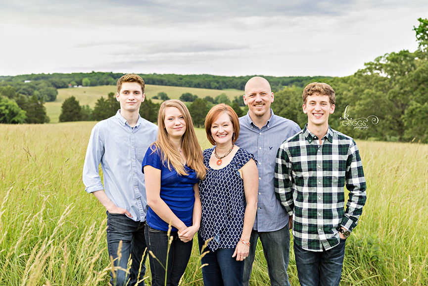 Family of 5 in a field of grass | St. Louis Photographer