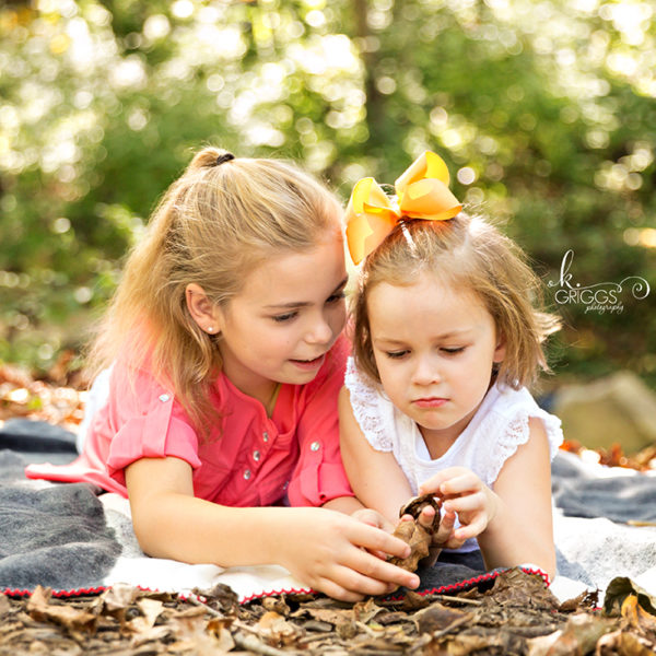 Sweet Sisters: Fall Mini Photo Session | St. Louis Family Photographer