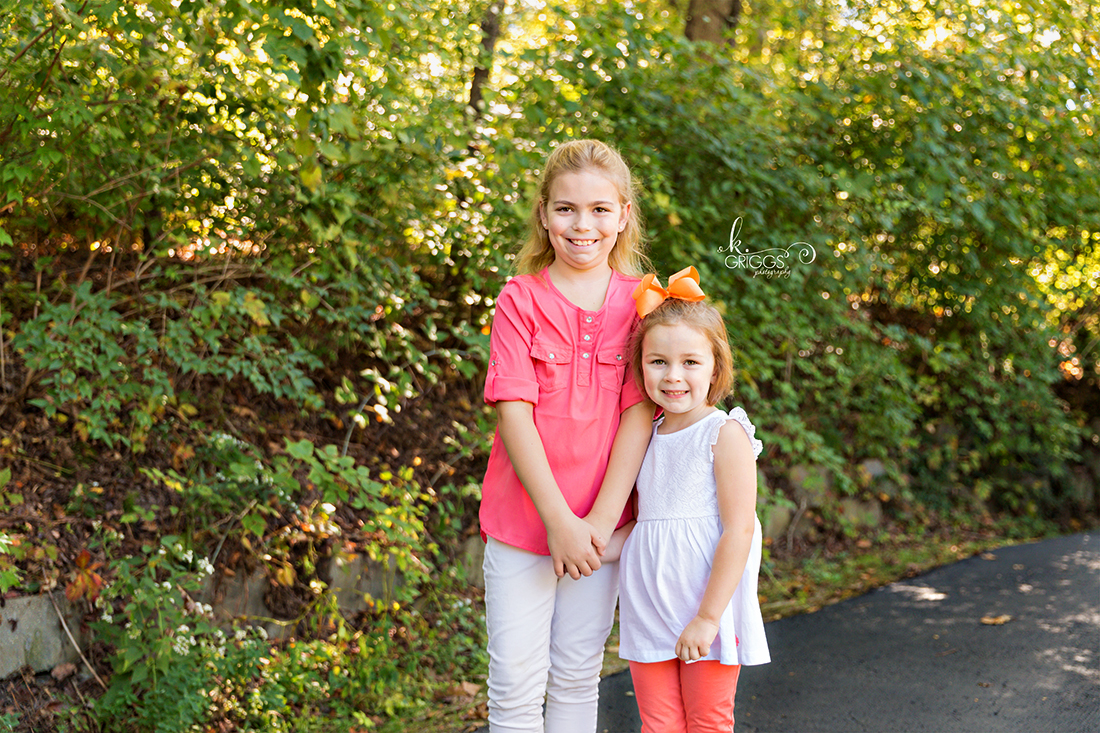 Sweet sisters in Longview Farm Park | St. Louis Family Photography
