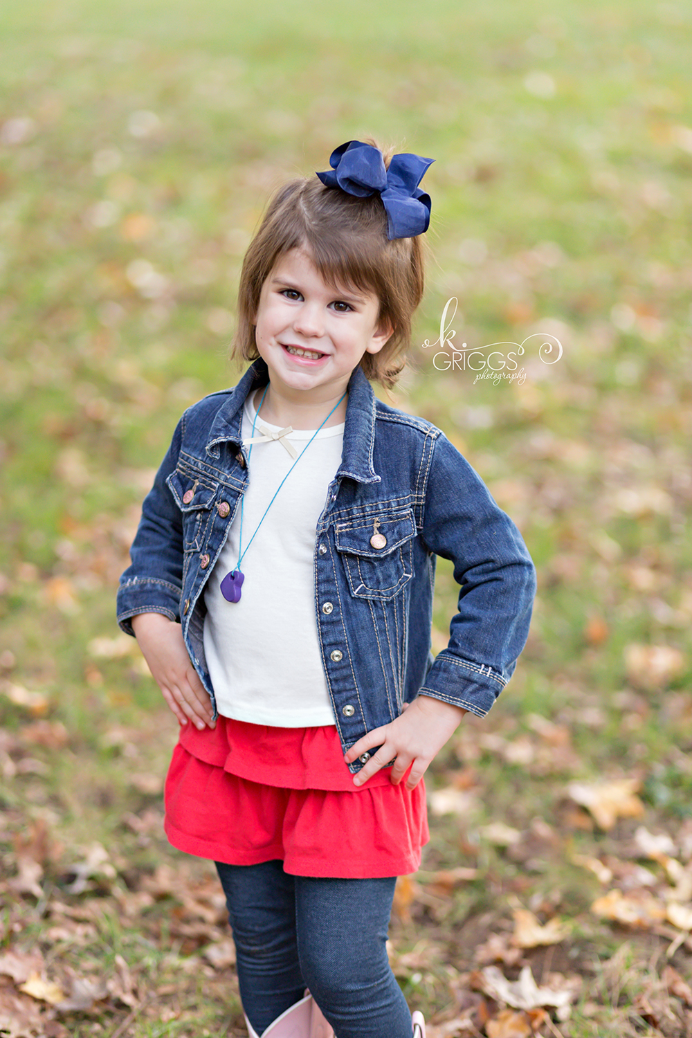 Young girl standing with hands on hips | St. Louis Photographer