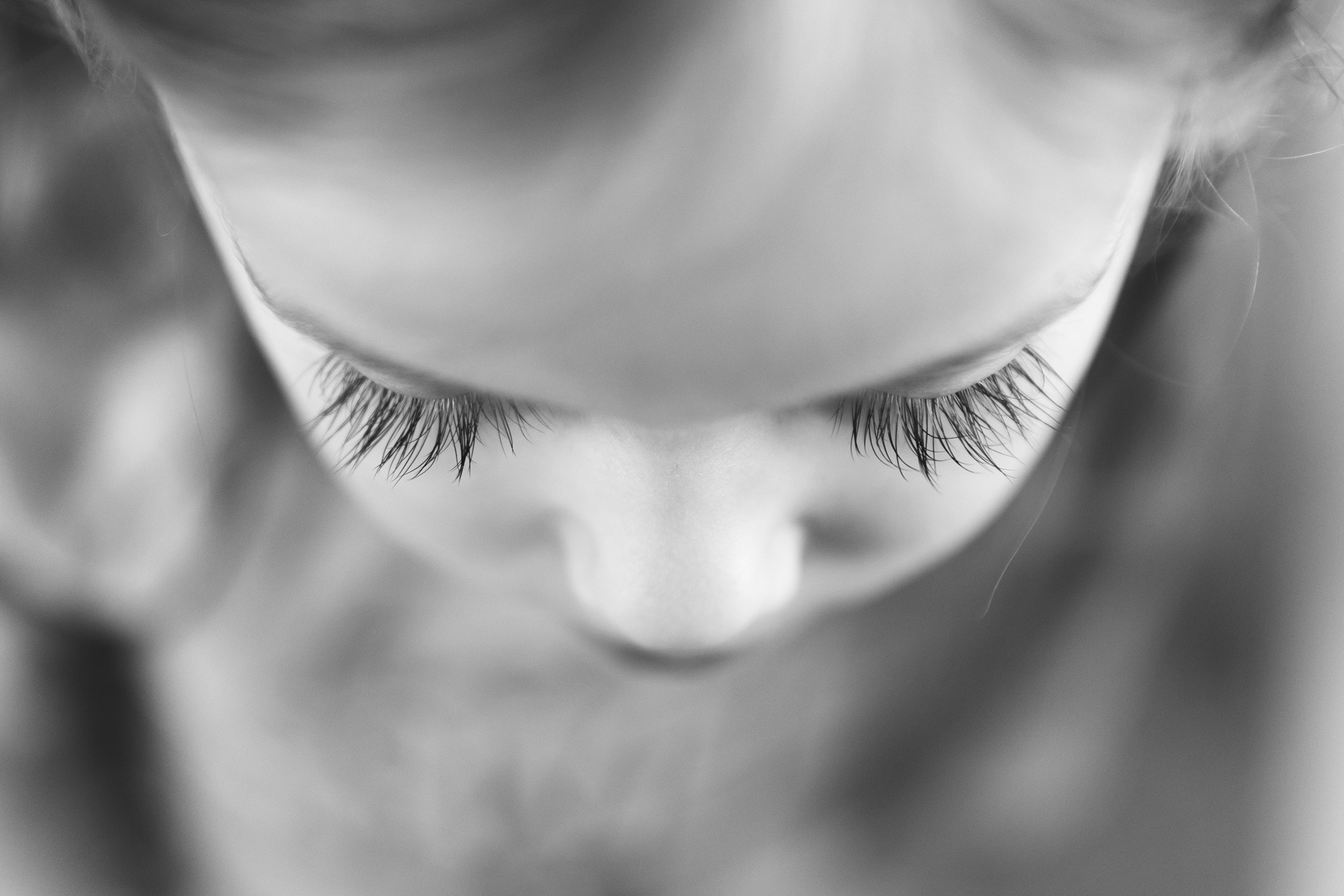 Gorgeous long eyelashes on little girl | St. Louis Children's Photography